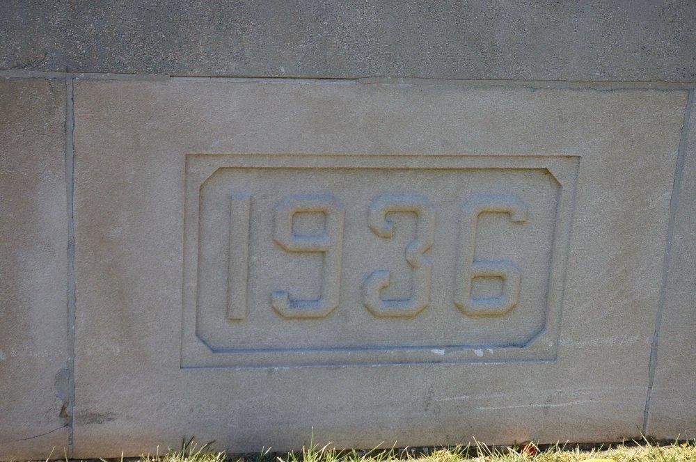 1046i-i08
