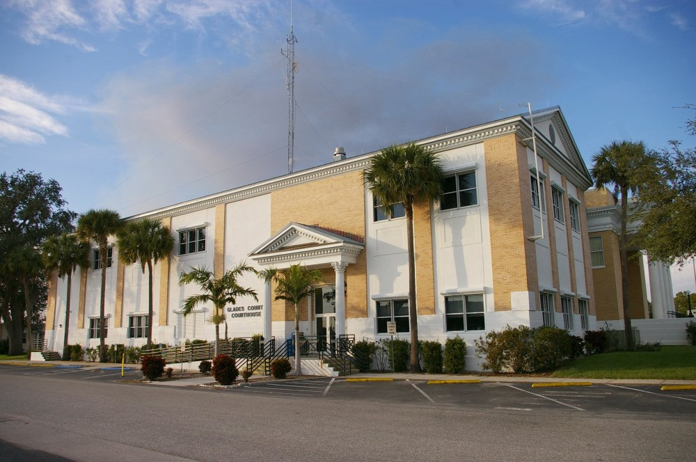 glades county jewish singles The glades county detention center, which sits less than two hours northwest of miami, is a county jail that also holds detainees for immigration and customs enforcement.