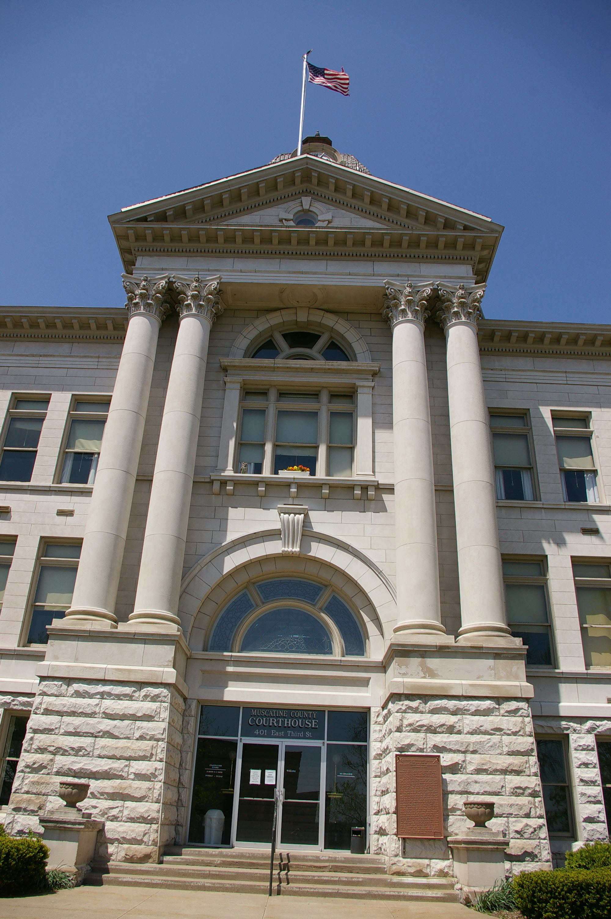 Muscatine County Us Courthouses