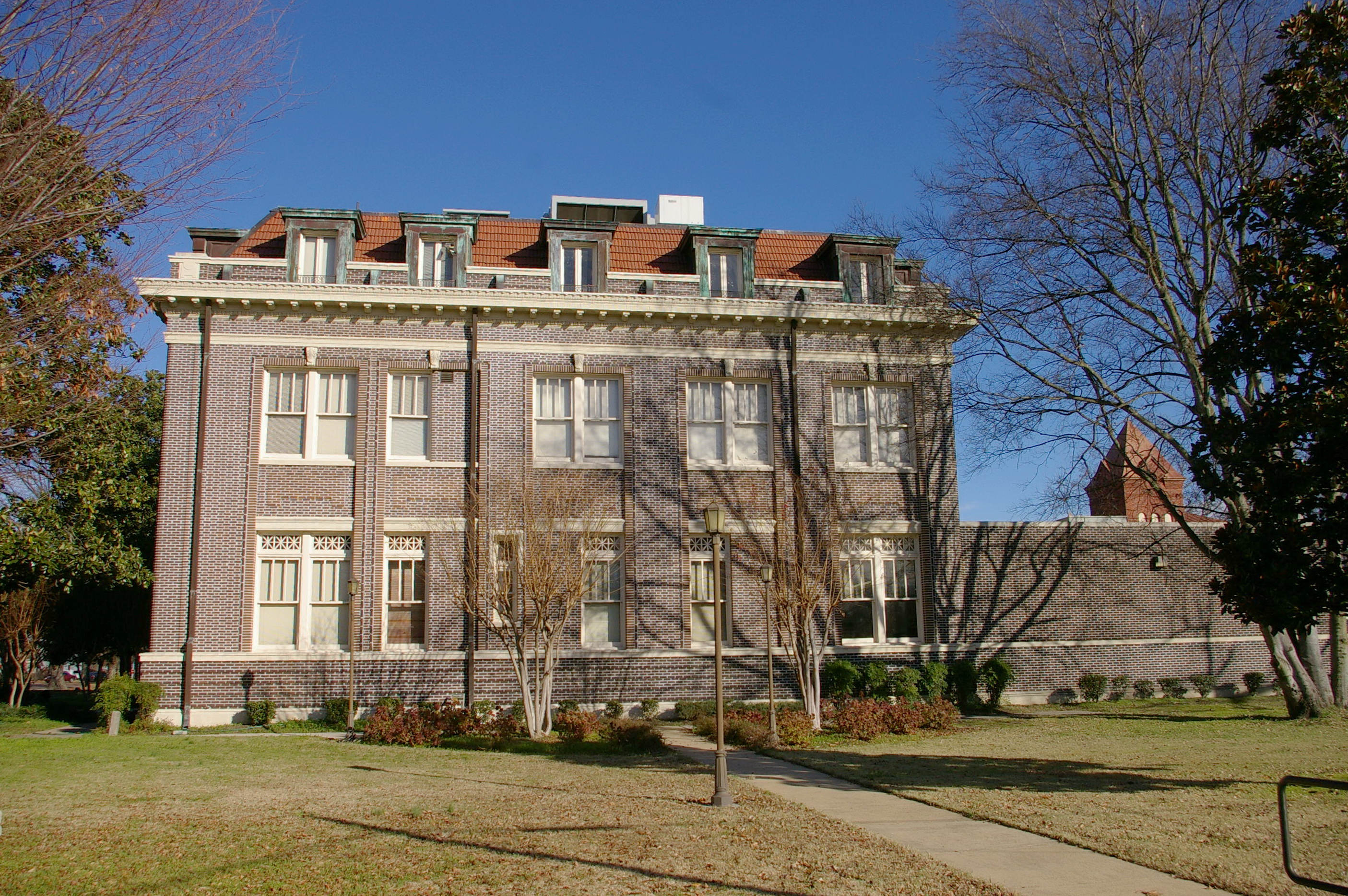 Tunica County Us Courthouses