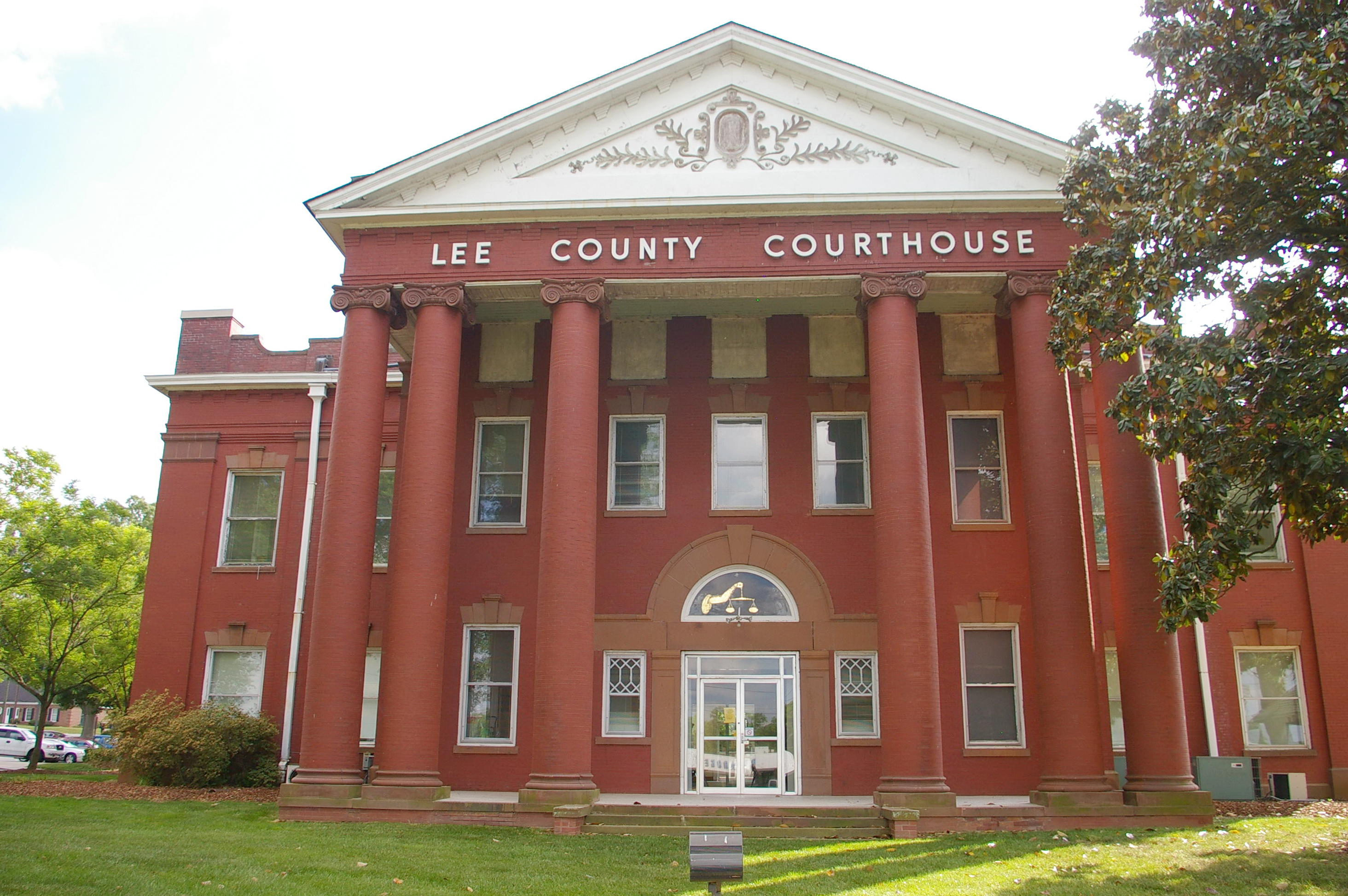 Lee County Us Courthouses