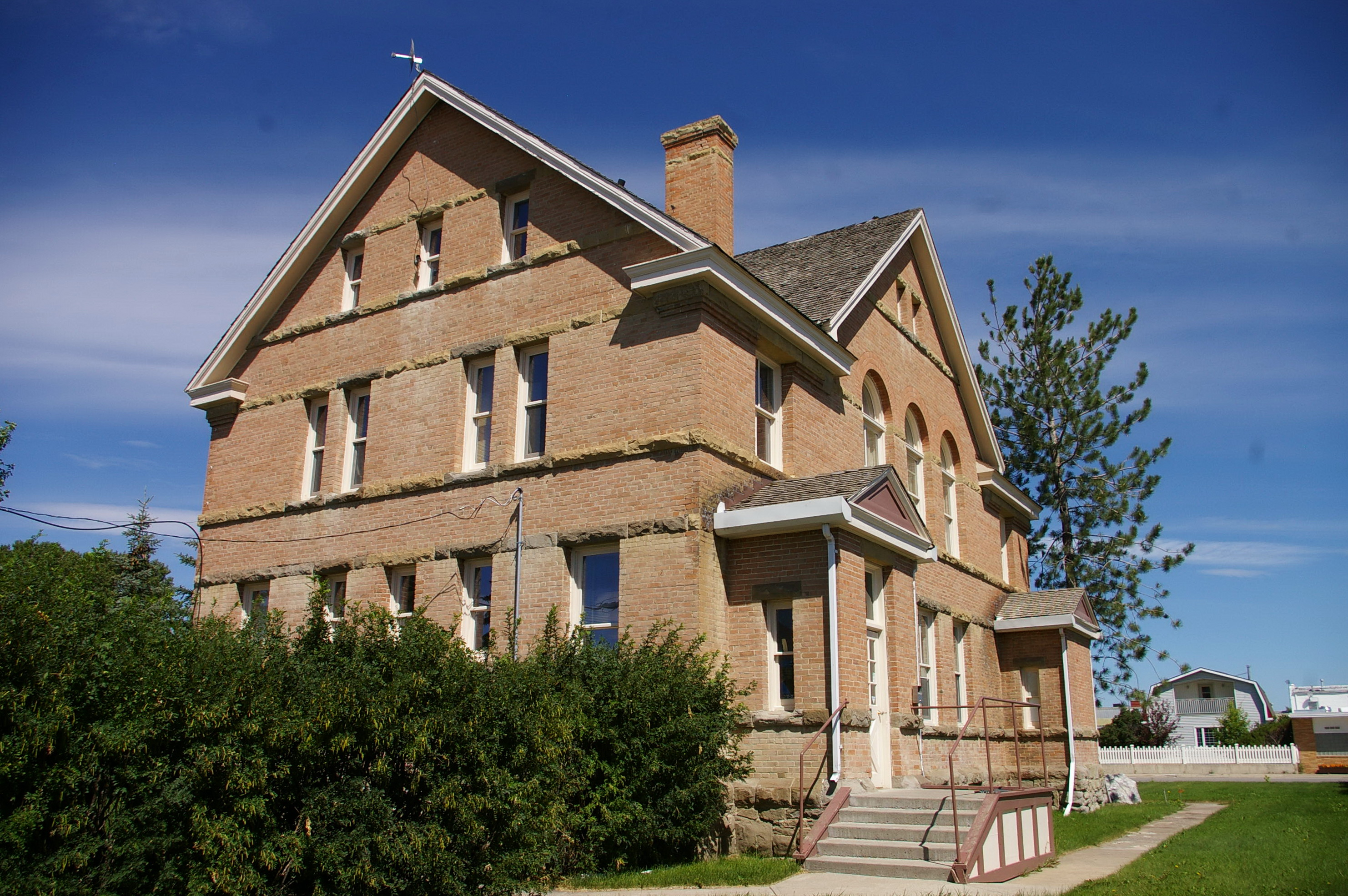 Fort Macleod Us Courthouses