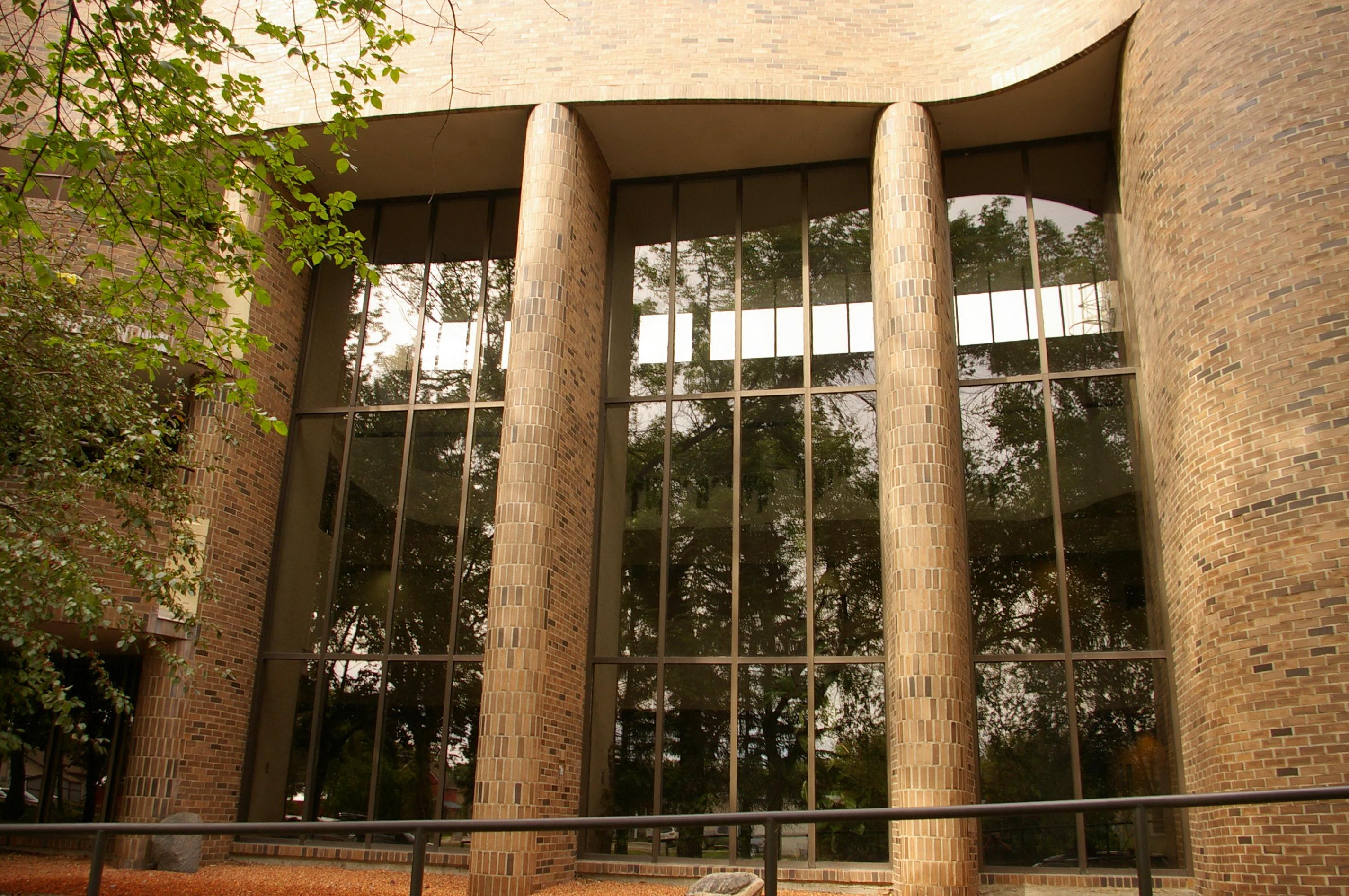 Ponoka Us Courthouses